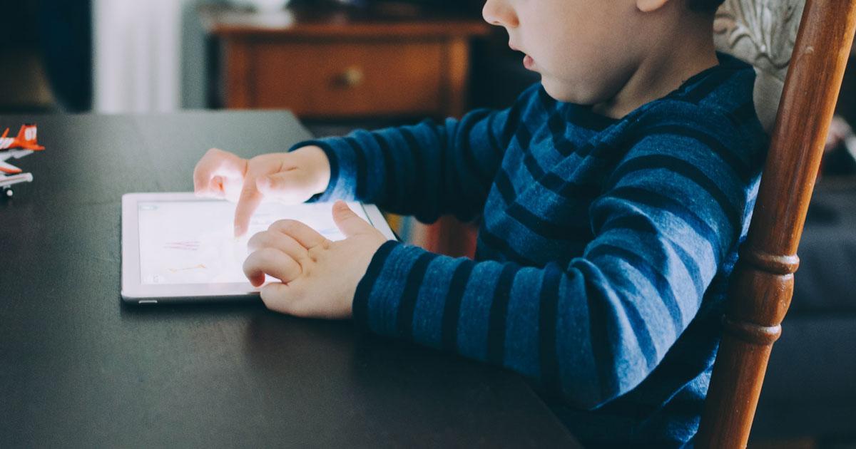 Cinco dicas para ajudar os seus filhos a desligarem-se da tecnologia