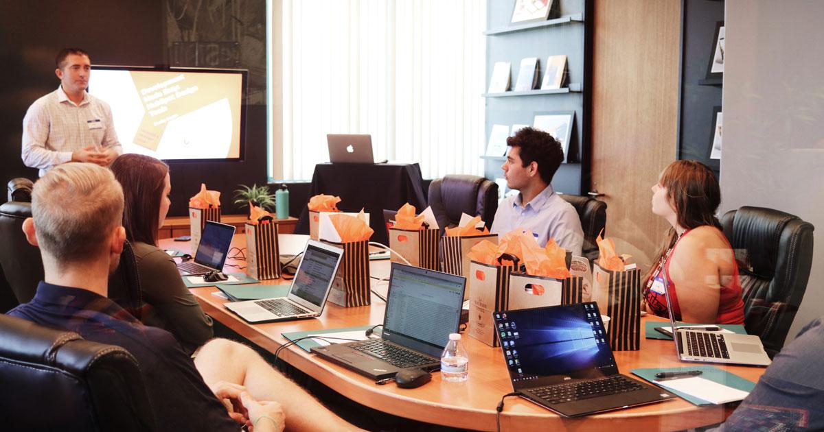 Cinco dicas para digitalizar o seu negócio